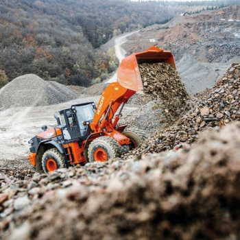HITACHI tackles toughest working conditions with the new ZW330-6