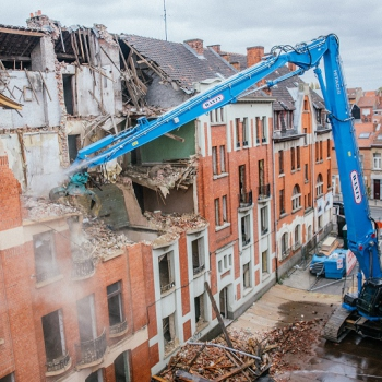 GROUP WANTY takes delivery of its High demolition ZX490LCH-6.